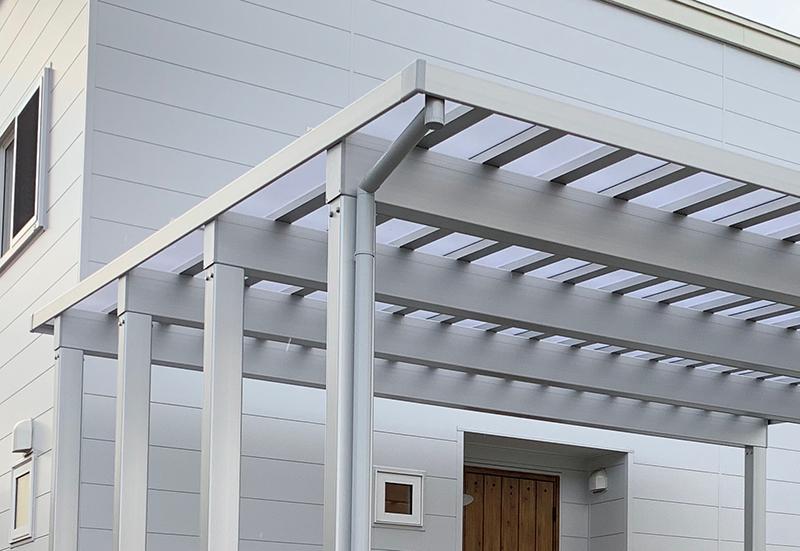 ソルディーポートの屋根枠