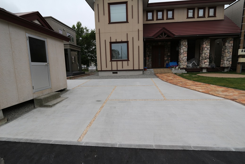 コンクリート駐車場施工例